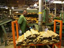イチローズモルトセミナー 樽を製造中
